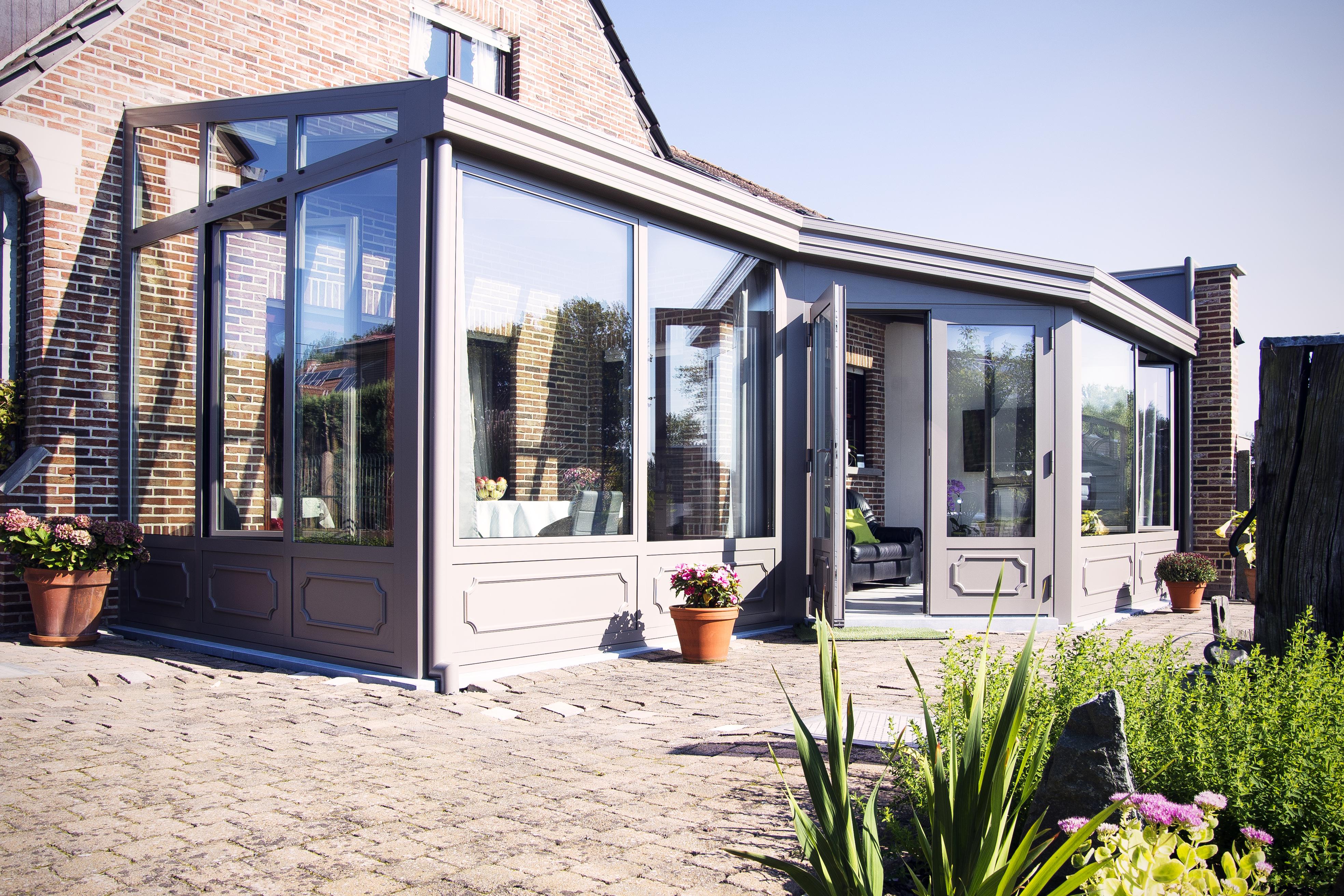 Luxe serre, een bijzondere uitbouw aan uw woning
